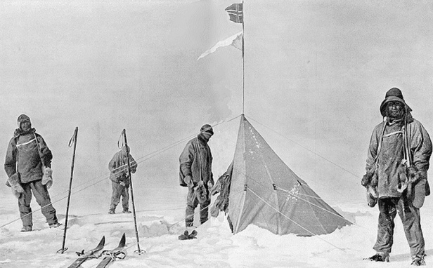 photo-1-expedition-amundsen-en-1911-png