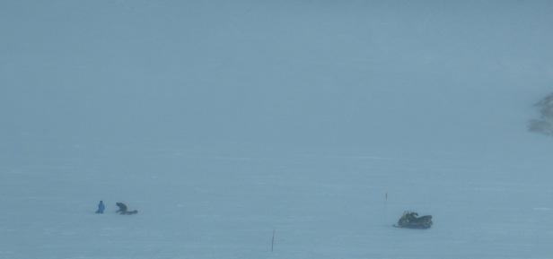photo-17-prelevement-de-neige-dans-la-tempe%cc%82te