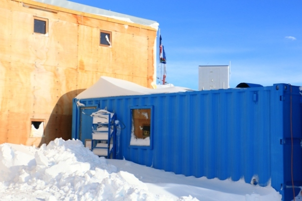 photo-26-le-container-des-scientifiques