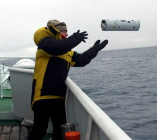whales-sonar-buoy-being-deployed-overboard